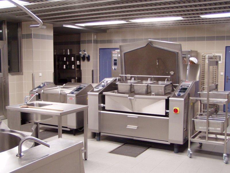Jsme nově zrekonstruovaná kuchyně s kapacitou výroby 6000 jídel